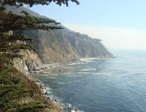 カリフォルニアの美しい海岸線の画像